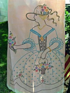 Penny's Vintage Home: Vintage Aprons on the Clothes Line