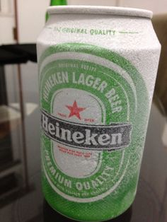 Heineken 5% 4/10 the most overrated beer in history, must have good marketing people to sell this world wide.