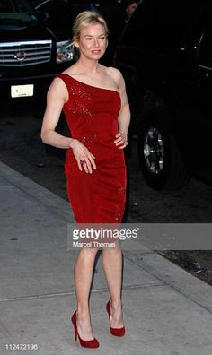 """Actress Renee Zellweger visits """"Late Show with David Letterman"""" at the Ed Sullivan Theater January 2009 in New York City. Girl Celebrities, Celebs, Renee Zellweger, Reese Witherspoon, Red Shoes, Eye Candy, David, January 29, Top Girls"""