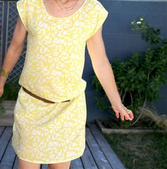 1 heure 1 fringue : robe ou blouse TOKYO | Atelier Scammit Coin Couture, Couture Sewing, Blouse Au Crochet, Diy Clothes, Clothes For Women, Creation Couture, Casual Chic, Peplum Dress, Celebrity Style