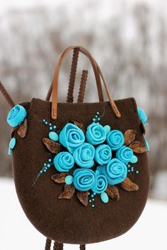 Afbeeldingsresultaat voor How to make this Crochet Felted Flower Bag Pattern Tutorial. The three-dimensional detail of this bag is gorgeousFelted Wool Purse with roses and hat. Do It Yourself Jewelry, Sweet Bags, Felt Purse, Embroidery Bags, Flower Bag, Art Bag, Crochet Handbags, Cute Bags, Beautiful Bags