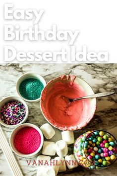 Looking for a fun addition to a dessert table at an upcoming party? Try out chocolate covered marshmallows birthday. They are so quick and easy to make! You can even use them as diy birthday party favors for kids. They are sure to be a hit and you can customize the chocolate and sprinkle colors to match any party theme! Diy Birthday Party Favors, Easy Birthday Desserts, Unique Birthday Party Ideas, Kids Birthday Crafts, Pink And Gold Birthday Party, Little Girl Birthday, Party Desserts, Party Treats, Chocolate Covered Marshmallows