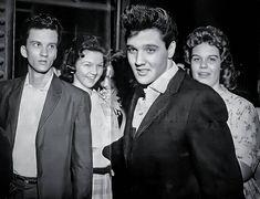 Elvis Today, Young Elvis, Tom Parker, Elvis Presley Photos, King Of Music, George Vi, Psychobilly, Graceland, My King