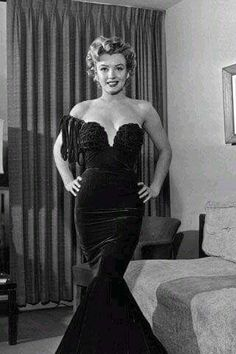 Marilyn dressed for the Henrietta Awards, February 8, 1952.