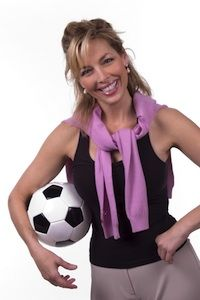 It's exciting watching your kids play soccer for the first time. As they progress, you probably find yourself become more immersed in the game as well. Mom Costumes, Cosplay Costumes, Halloween Costumes, Halloween 2019, Halloween Ideas, Costume Ideas, Celebrity Wedding Hair, Play Soccer, Elegant Hairstyles