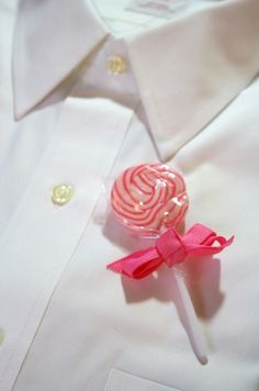 Sweet-ass candy wedding accessories at a special discount from Edible Weddings & More! | Offbeat Bride