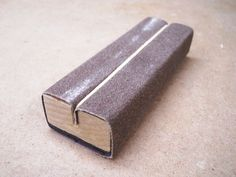 My Homemade Sanding Block Collection / Ma collection de blocs à poncer maison Woodworking Bench Plans, Woodworking Books, Fine Woodworking, Woodworking Projects, Woodworking Equipment, Woodworking Classes, Woodworking Fasteners, Sketchup Woodworking, Woodworking Articles