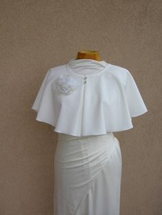 Bridal Cape, Wedding Capelet,Ivory Dress Cover Up, Bridal Cover Up, Ivory Wedding Cape, Bridal Capelet, Wedding Wraps, Cape, Cape Mariage This dress cover up is made from polyester . Perfect for any occasion, especially for weddings and as a evening shawl. You can wear it in different ways,
