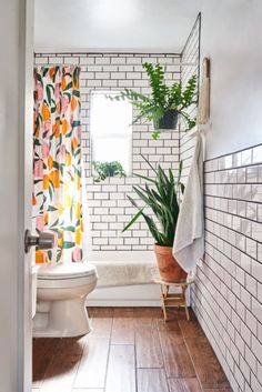 Trendy bathroom remodel black and white apartment therapy 32 Ideas Home Design, Design Ideas, Design Projects, White Apartment, Vintage Apartment, Apartment Plants, Bohemian Apartment, Apartment Door, Apartment Living