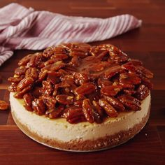 Pie Cheesecake Take your pecan pie to the next level.Take your pecan pie to the next level. Easy Desserts, Delicious Desserts, Dessert Recipes, Yummy Food, Pecan Desserts, Delicious Cookies, Appetizer Recipes, Appetizers, Think Food