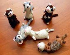 ferrets <3 Kawaii Crochet, Crochet Gratis, Diy Crochet, Crochet Animal Patterns, Crochet Patterns Amigurumi, Crochet Dolls, Felt Animals, Crochet Animals, 365 Kawaii