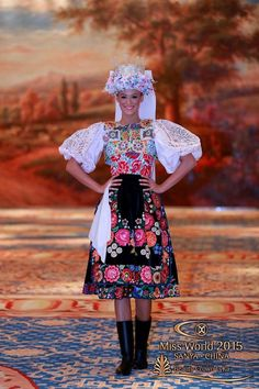 slovenský kroj / Slovak folk costume. Lujza Strakova na Miss World
