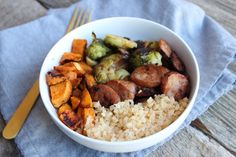 Low Carb Buddha Bowls is super easy and versatile. Made with whole foods this Buddha bowl is great for meal-prep! CARB Low Carb Buddha Bowls is super easy and versatile. Made with whole foods this Buddha bowl is great for meal-prep! Whole Food Recipes, Healthy Recipes, Easy Recipes, Healthy Meals, Healthy Food, Clean Recipes, Diabetic Recipes, Pork Recipes, Keto Recipes