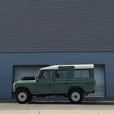 We love keeping footage of every car. They become part of the family!  This particular car is a beautiful 1976 Land Rover Defender 109 Series III that already has a happy home but feel free to contact us so we can find you your dream car! _____________________________________________________________ #landrover #defender #seriesIII #series3 #rangerover #landroverdefender #landroverlife #landroverlovers #overlanding #overlander #overlandimports by overland_imports We love keeping footage of…