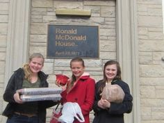 Volunteer in one of Ronald McDonald House's several Illinois locations. There are many ways you can help!