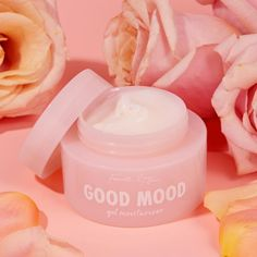 An oil-free, gel moisturizer that drenches skin with a burst of hydration. Formulated with a comforting combination of Watermelon, Rose Water, and Marshmallow Extract, Good Mood caresses skin to soften and retain moisture. Almond Fruit, Apricot Fruit, Good Mood, Oily Skin, Bellini, Natural Skin Care, The Balm, Skin Care Products, Beauty Products
