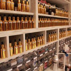 Une formation pratique et complète La formation de créateur parfumeur dispensée par l'ESPC est une formation pratique permettant d'acquérir les compétences clés, de rejoindre le réseau ESPC de fournisseurs parmi les meilleurs et un accompagnement pour le démarrage de l'activité en tant que parfumeur Indépendant.