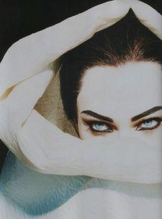 Sasha Pivovarova by Miles Aldridge for Número #66, September 2005.