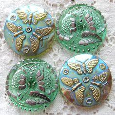 Vintage Buttons * Czech