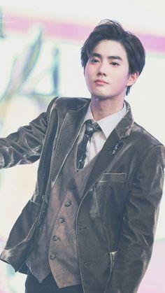 Who knew I'd fall for you but somehow my heart saw you and went where have you been all my life? Exo Minseok, Baekhyun, Kim Jongin, Park Chanyeol, Chanbaek, Kim Jong Dae, Kim Min Seok, K Pop, Shinee