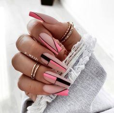 Almond Nails Pink, Almond Nails French, French Nails, Chic Nails, Stylish Nails, Swag Nails, Purple Acrylic Nails, Best Acrylic Nails, Geometric Nail Art