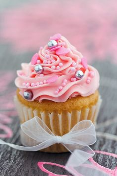 Pink pearly cupcake