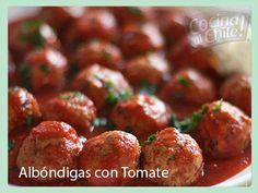 Las tradicionales albóndigas con salsa de tomate para comer con pasta.