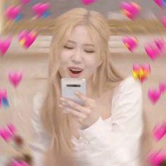 memes do blackpink Memes Blackpink, Funny Kpop Memes, Meme Meme, Disney Memes, Foto Rose, Heart Meme, Blackpink Funny, Cute Love Memes, Rose Icon
