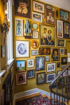 Entire picture wall up stairs. Inside the surreal home of artists Marion Peck and Mark Ryden - Curbed LAclockmenumore-arrowConcert : The decor, much of it from the Rose Bowl flea market, is truly eccentric Photowall Ideas, Molduras Vintage, Living Room Decor, Bedroom Decor, Interior Decorating, Interior Design, Decorating Ideas, Flea Market Decorating, Rental Decorating