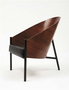 Philippe Starck has his own place in the history of design. This beautiful chair is only one among many. Got it.