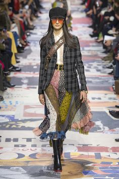 Christian Dior Fall 2018 Ready-to-Wear Fashion Show Collection