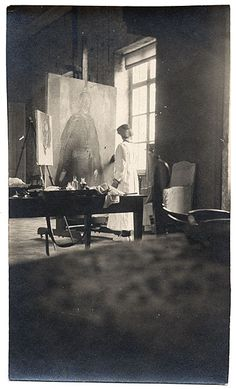 [Cecilia Beaux painting] Cecilia Beaux painting, ca. 1919 / unidentified photographer. Cecilia Beaux papers, 1863-1968. Archives of American Art, Smithsonian