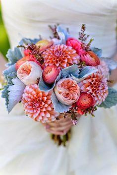 24 Wedding Bouquet Ideas & Inspiration - Peonies, Dahlias, Lilies and Hydrangea