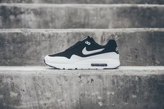 Continuing with its redesigned Air Max 1 Ultra Moire, silhouette Nike reveals an all-new black and white color combination. Resting atop a crisp white outsole, the seamless, yet perforated black upper...