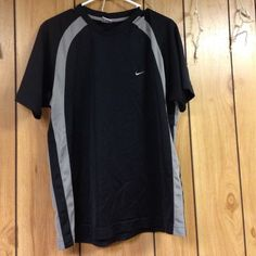 Nike sports wear top I only wore this once to a sporting event. size large. Practically new! Nike Tops Tees - Short Sleeve