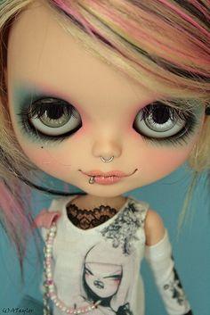 Batiburrillo de cosas( I luv the dolls with the big eyes lol☺)