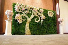 Cena kwiatów weselnych  #kwiatow #weselnych Wedding Hall Decorations, Wedding Reception Backdrop, Marriage Decoration, Wedding Mandap, Flower Decorations, Garland Wedding, Wedding Stage Design, Mehndi Decor, Wedding Background