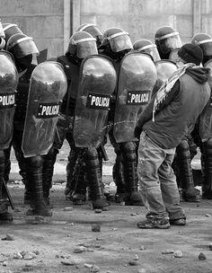 pajas-mentales:  ideas para hacer ante la policía o no!?!?!?