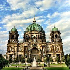 De top 10 bezienswaardigheden in Berlijn! http://www.anwb.nl/wandelen/buitenland/duitsland%5B2%5D/bezienswaardigheden-in-berlijn