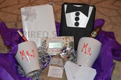 Gift Ideas For Wedding Host Couple : Engagement Gift Ideas: Gift Baskets for the Bride-to-Be