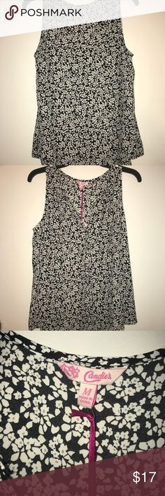Sleeveless Blouse Never worn!! Candie's Tops Blouses