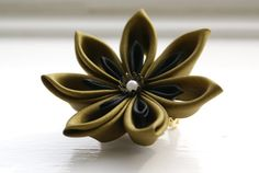 Hey, I found this really awesome Etsy listing at https://www.etsy.com/listing/95422559/kanzashi-hair-flower-flower-hair-clip