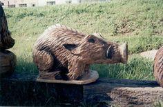 Razorback chainsaw carving