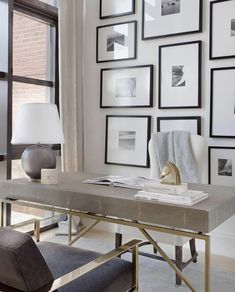 7 Cool Office Designs Based On The Success Feng Shui Principle – Modern Home Office Design Office Interior Design, Office Interiors, Home Interior, Office Designs, Art Interiors, Workspace Design, Interior Livingroom, Home Office Space, Home Office Decor