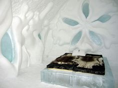 A song of ice and...ice  Passer une nuit dans un hôtel de glace en Suède à 200 km du cercle polaire.../Spend a night in an ice hotel in Sweden, 200 km from the Arctic Circle
