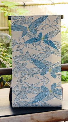 【ゆかた05】yukata05  さわやかな水色の蝶の柄が涼し気なゆかた。 凹凸のある織で着心地もさわやかです。  東京本染め ゆかた 綿100% 価格:38,000円 yukata #yukata
