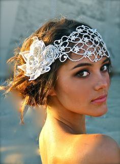✢ STYLE ✢ Great Gatsby |  1920s-style bridal headpiece similar to Anne Hathaway's