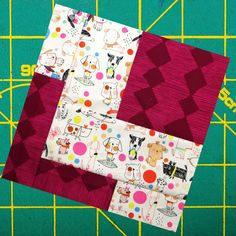 Modern quilt block patterns for you to explore and create with! Every week I add a new block with a video tutorial, to the series and it's free for the week. Start a new sewing project with me! Traditional Quilt Patterns, Modern Quilt Patterns, Quilt Block Patterns, Pattern Blocks, Beginner Quilt Patterns, Quilting For Beginners, Quilting Tutorials, Triangle Quilt Pattern, Modern Quilt Blocks