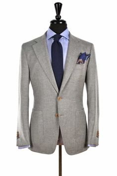 blackshoeblog:Very happy with my new Beckett & Robb light grey unstructured sport coat!