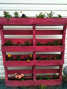 Pallet flower bed